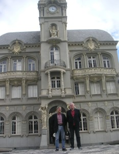 Glenn Cripe from Language of Liberty and Prof. Gissurarson, Curitiba Old City Hall.